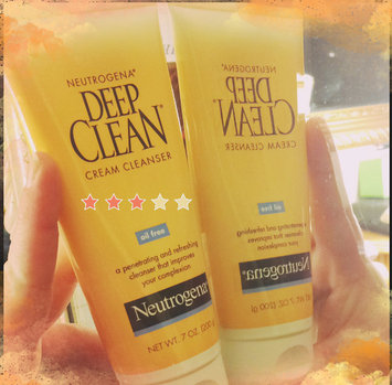 Photo of Neutrogena Deep Clean Cream Cleanser uploaded by Joanne C.