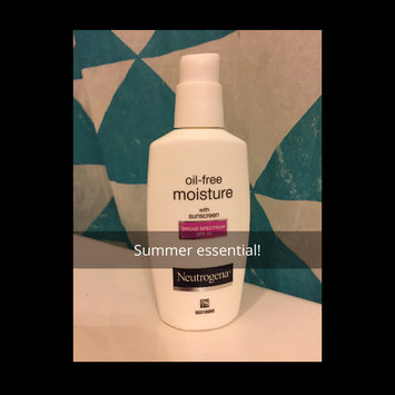 Neutrogena Oil-Free Moisture Facial Moisturizer SPF 35 uploaded by Aimeeh L.