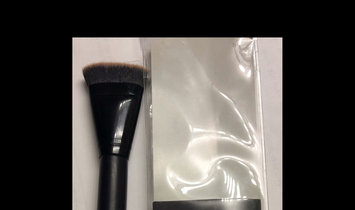 Contouring Brush uploaded by Chantelle C.