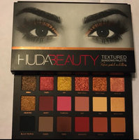 Huda Beauty Textured Eyeshadows Palette Rose Gold Edition uploaded by Delci