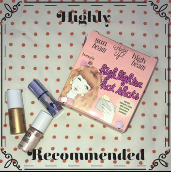 Photo of Benefit Cosmetics Highlighter Hotshots uploaded by Diana C.