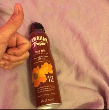 Photo of Hawaiian Tropic Dry Oil Clear Spray Sunscreen uploaded by Trisha E.