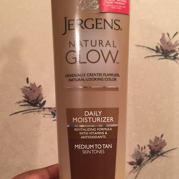 Jergens Natural Glow Daily Moisturizer Medium/Tan uploaded by Andjoua R.