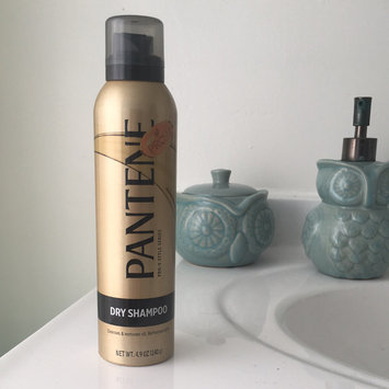 Photo of Pantene Dry Shampoo uploaded by Jenna g.