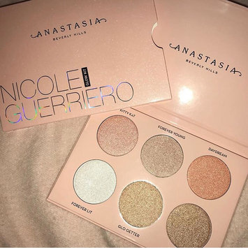 Anastasia Beverly Hills Nicole Guerriero Glow Kit uploaded by Leslie B.