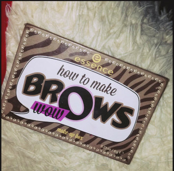 Photo of Essence How to Make Brows Wow Make-up Box uploaded by Moise B.