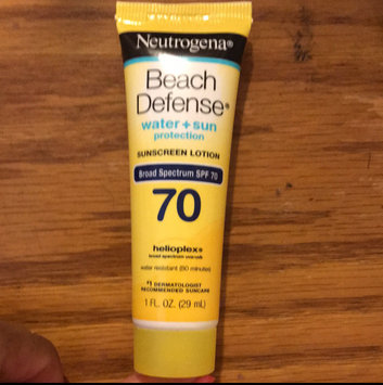 Neutrogena Beach Defense Broad Spectrum Sunscreen Lotion uploaded by Rishelly v.
