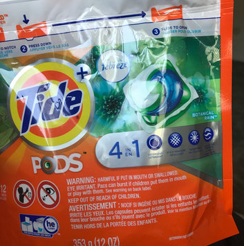 Photo of Tide PODS® Plus Febreze™ Laundry Detergent uploaded by Neri G.