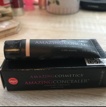 Photo of Amazing Cosmetics Amazing Concealer uploaded by Cherie P.