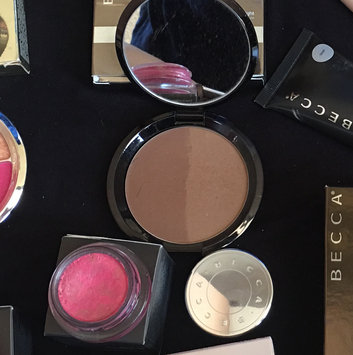 Photo of BECCA Shadow And Light Bronze Contour Perfector uploaded by Laura C.