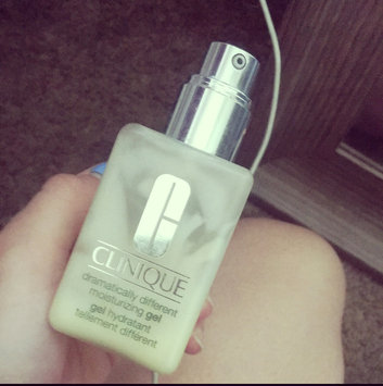 Clinique Dramatically Different™ Moisturizing Gel uploaded by Natalie R.