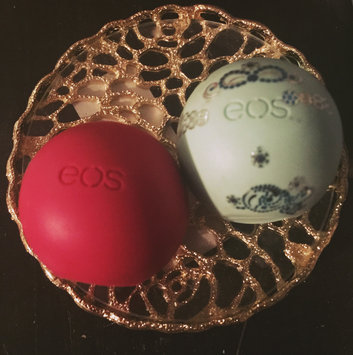 eos® Visibly Soft Lip Balm uploaded by Madalina O.