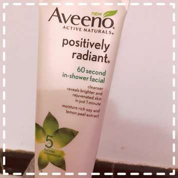 Photo of Aveeno® Positively Radiant 60 Second In-Shower Facial Cleanser uploaded by Alyssa B.