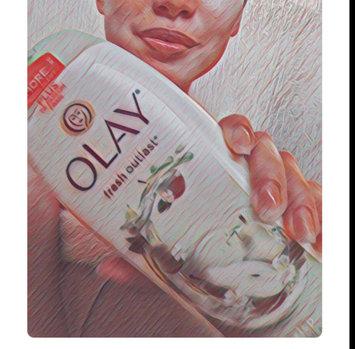 Photo of Olay Fresh Outlast Crisp Pear & Fuji Apple Body Wash uploaded by Anna M.