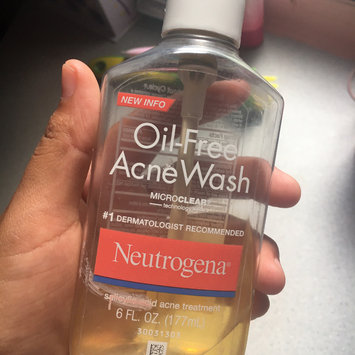 Neutrogena Oil-Free Pink Grapefruit Acne Wash Facial Cleanser uploaded by Anna Kelly Q.