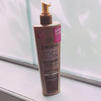Jergens Natural Glow Daily Moisturizer Medium/Tan uploaded by Dianna S.