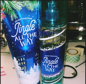 Bath & Body Works Jingle All The Way uploaded by Autumn M.