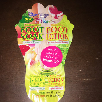 7th Heaven Juiced Grapefruit Foot Soak & Pressed Mint Foot Lotion uploaded by Caitlin K.