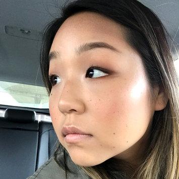 Photo of BECCA Backlight Priming Filter uploaded by Jina J.