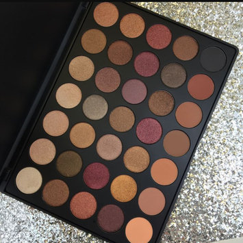 Photo of Morphe 35O - 35 Color Nature Glow Eyeshadow Palette uploaded by Lucy I.