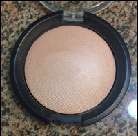 Essence Pure Nude Highlighter uploaded by Sydney H.