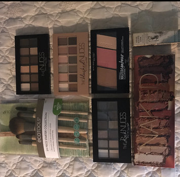 Maybelline New York Expert Wear The Blushed Nudes Shadow Palette uploaded by Haley L.