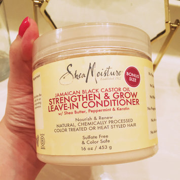 SheaMoisture Jamaican Black Castor Oil Strengthen, Grow & Restore Leave-In Conditioner uploaded by Vane G.