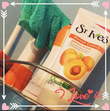St. Ives Blemish Control Apricot Scrub uploaded by Alisha K.