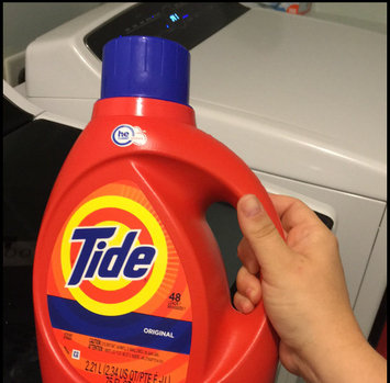 Photo of Tide Original Scent HE Turbo Clean Liquid Laundry Detergent uploaded by Megan C.