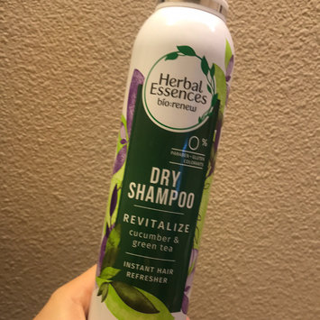 Photo of Herbal Essences Cucumber and Green Tea Dry Shampoo uploaded by Melissa M.