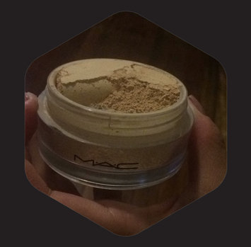Photo of M.A.C Cosmetic Studio Fix Perfecting Powder uploaded by Mari C.