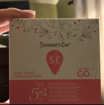 Photo of Summer's Eve Cleansing Cloths for Sensitive Skin uploaded by Agripina H.
