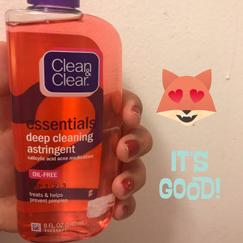 Photo of Clean & Clear® Essentials Deep Cleaning Astringent uploaded by Fernanda L.