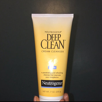 Photo of Neutrogena Deep Clean Cream Cleanser uploaded by Rei-Launya A.