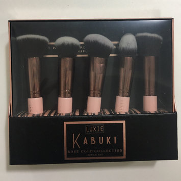 Luxie Rose Gold Synthetic 5 Piece Kabuki Brush Set uploaded by JULIANNA C.
