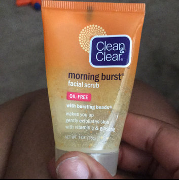 Clean & Clear Morning Burst Oil-Free Facial Cleanser uploaded by Kinesheya H.