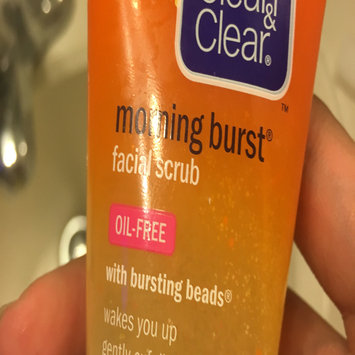 Clean & Clear Morning Burst Oil-Free Facial Cleanser uploaded by Tiana B.