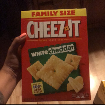 Sunshine Cheez-It Baked Snack Crackers White Cheddar uploaded by Adelina G.