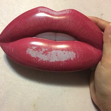 Photo of Huda Beauty Contour & Strobe Lip Set Trophy Wife (rose wood) / Shameless (chameleon sheer base encapsulating gold and pink pearls) uploaded by Lamisa S.