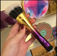 tarte Double-Ended Highlighter Brush uploaded by Maeghan G.