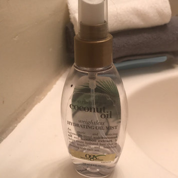 OGX® Coconut Oil Weightless Hydrating Oil Mist uploaded by Jesenia C.