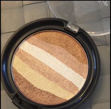 Wet n Wild Color Icon Rainbow Highlighter uploaded by Megan C.