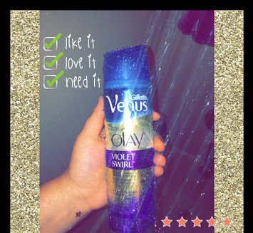 Photo of Gillette Venus Ultramoisture Violet Swirl Shave Gel with Olay uploaded by Lexie H.