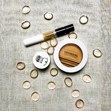 Photo of COVERGIRL Vitalist Healthy Setting Powder uploaded by Steffie S.