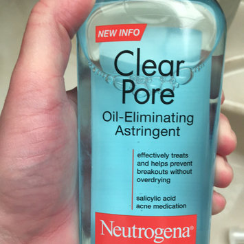 Photo of Neutrogena Clear Pore Oil-Controlling Astringent uploaded by Andrea R.