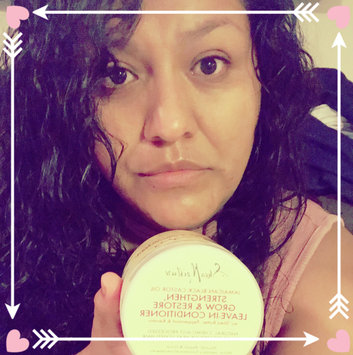 SheaMoisture Jamaican Black Castor Oil Strengthen, Grow & Restore Leave-In Conditioner uploaded by Lupita G.