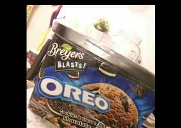 Photo of Breyers® Oreo uploaded by Paola B.