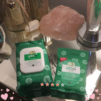 Photo of Yes To Cucumbers Shooting Hypoallergenic Facial Wipes uploaded by Niki C.