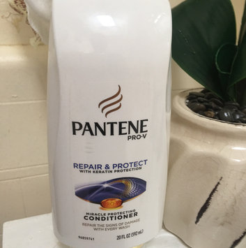 Photo of Pantene Pro-V Repair & Protect Conditioner uploaded by Pilar G.