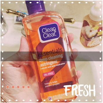 Photo of Clean & Clear® Essentials Deep Cleaning Astringent uploaded by Diana S.